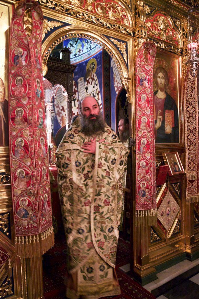 Ιερά Μονή Σίμωνος Πέτρας. Αρχιερατική Θεία Λειτουργία επί τη εορτή του αγίου Σίμωνος, κτήτορος της Μονής