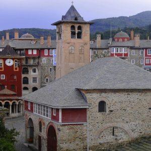Διαψεύδονται τα περί αποχώρησης Μοναχών από το Βατοπαίδι