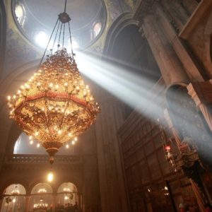 Η αφθαρσία και ευωδία των ιερών λειψάνων και άλλα θαυμαστά γεγονότα