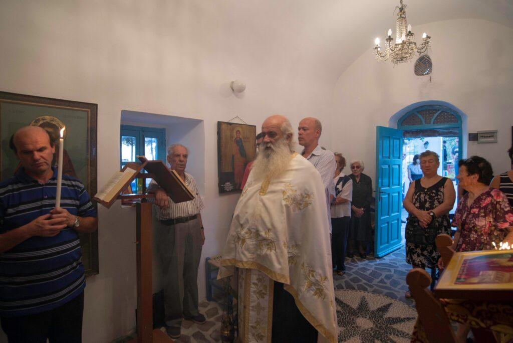 Του Κόσμου Τα Γυρίσματα: Νίσυρος. Στο Αυλάκι, εορτάζοντας τον  Άγιο Παντελεήμονας