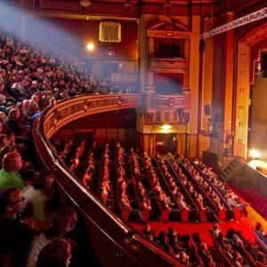 Θέατρο για μικρούς και μεγάλους