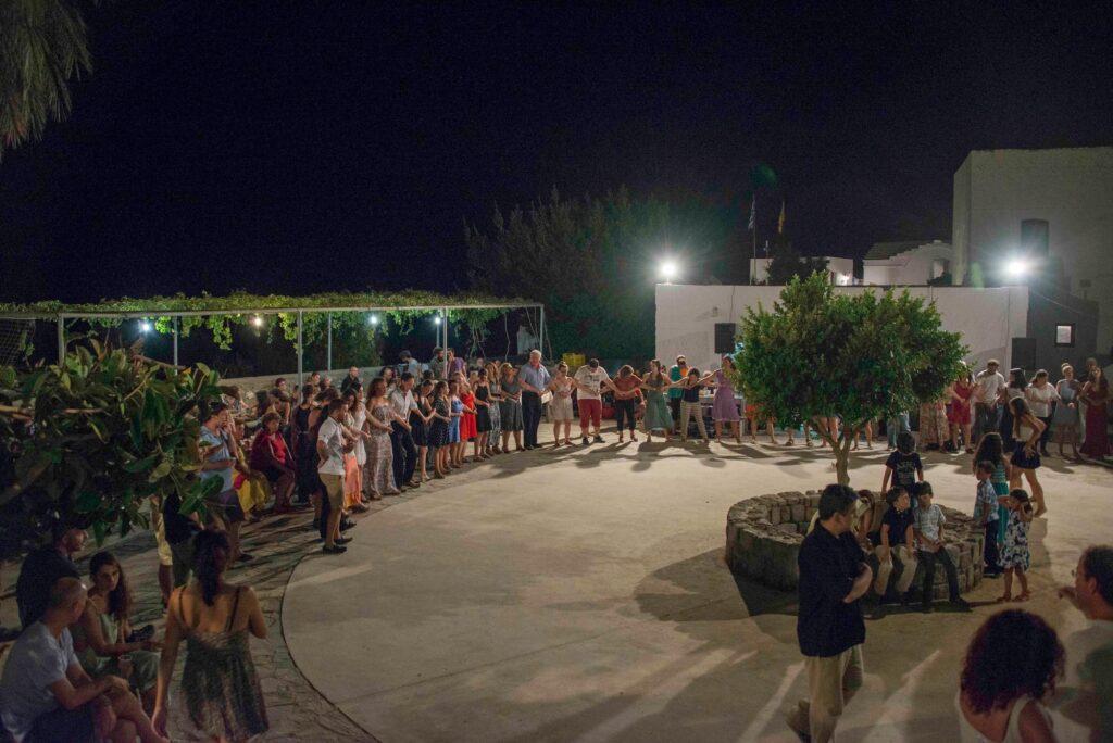 Του Κόσμου Τα Γυρίσματα: Νίσυρος. Πανήγυρις Κυράς, στα Εννιάμερα από την Κοίμηση της Θεοτόκου