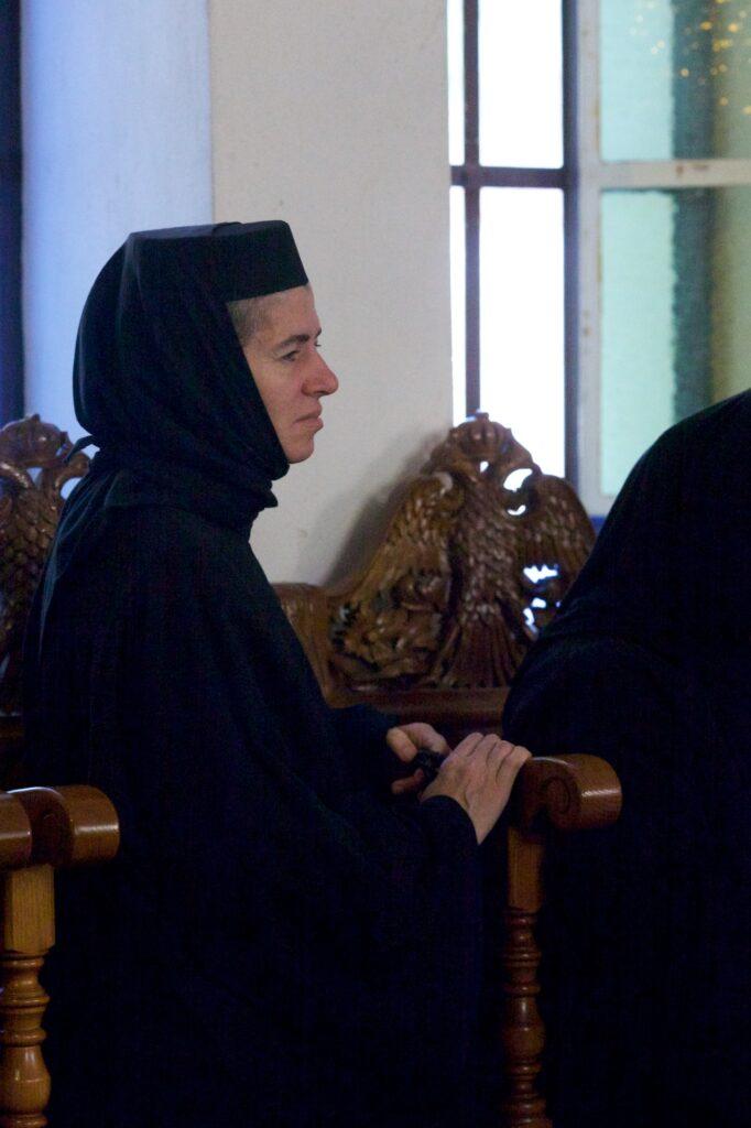 Του Κόσμου τα γυρίσματα: Ιερά Μονή Αγίας Τριάδος Αίγινα, Αρχιερατική Θεία Λειτουργία στην εορτή του Αγίου