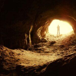 Χριστιανική Ερμηνεία στην Αλληγορία του Σπηλαίου του Πλάτωνα