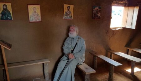 Αλεξανδρείας Θεόδωρος: «Κύριε, είμαι μια χούφτα χώμα γεμάτη από Θεό»