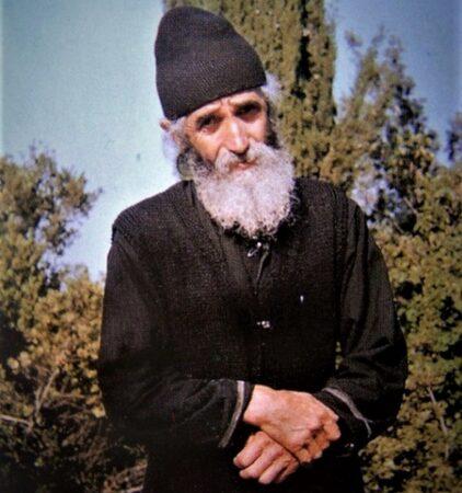 Όσιος Παΐσιος: Για τον μοναχό που έκανε τον δαιμονισμένο! | Πεμπτουσία