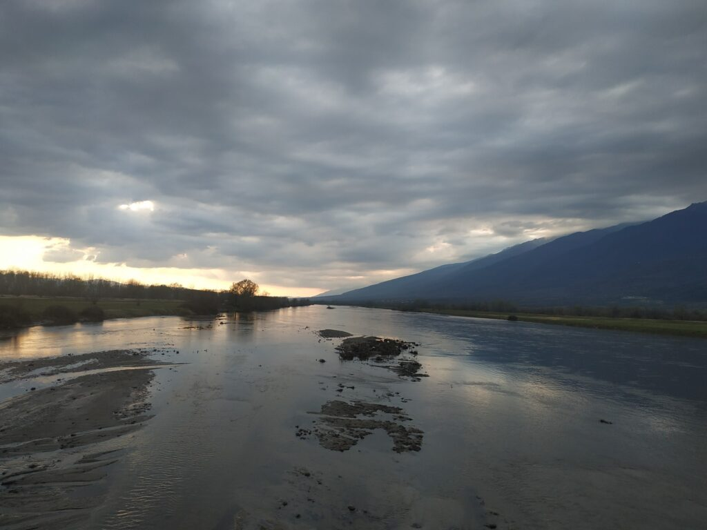 Άνοιξη, όρος Μπέλες & λίμνη Κερκίνη
