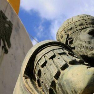«Η Ρωμανία κι αν πέρασεν, ανθεί και φέρει κι άλλο».  Η πτώση της Βασιλεύουσας