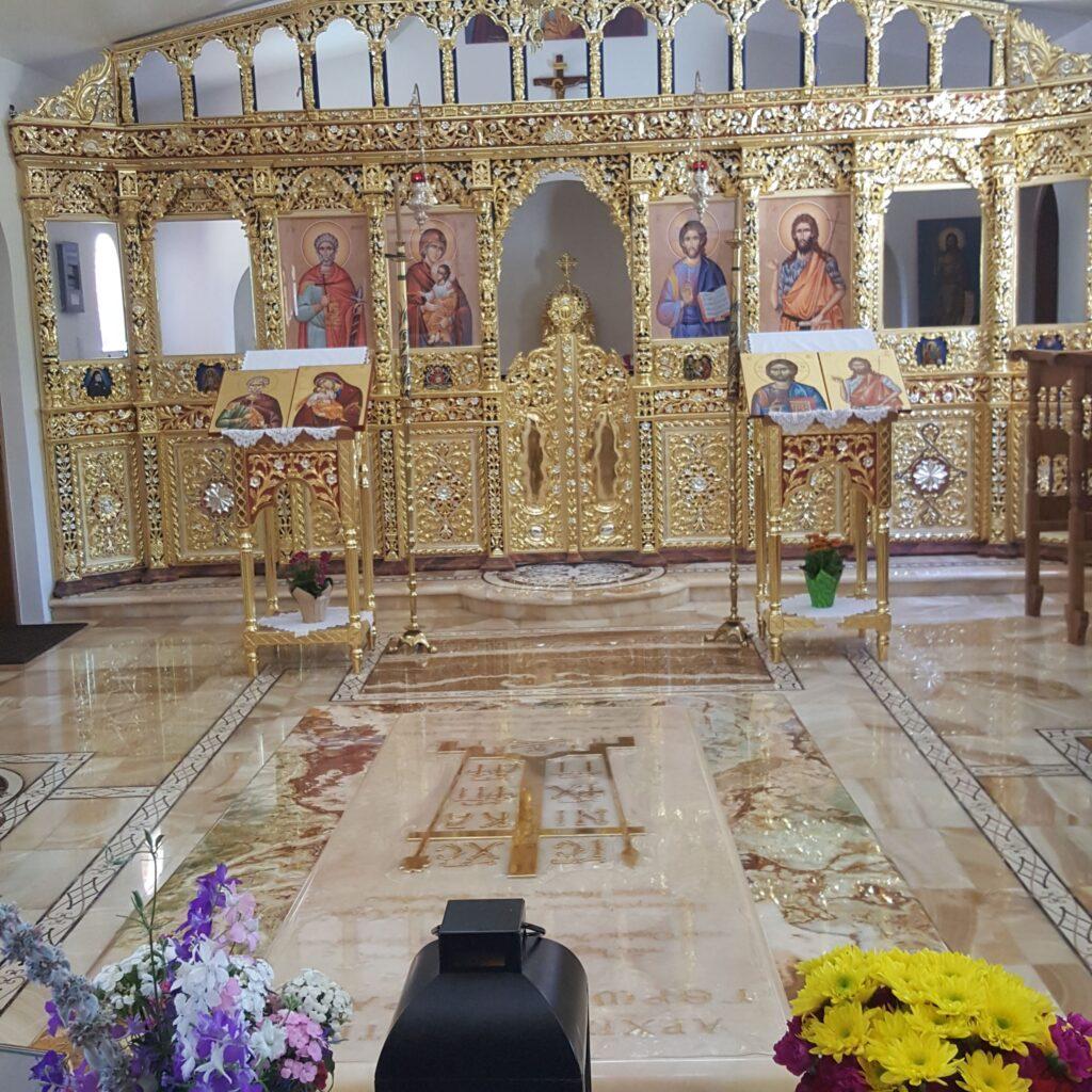 Ευλαβικό προσκύνημα στον τάφο του Γέροντα Εφραίμ Φιλοθεΐτη της Αριζόνας