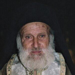 Παπα-Φώτης, ο διά Χριστόν σαλός: Δεν πατούσε στο πεζοδρόμιο, αιωρείτο!
