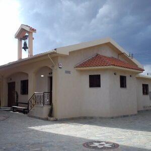 Κυπριακό οδοιπορικό αναμνήσεων στην Μ. Εβδομάδα: Μ. Σάββατο, Κύματα δάφνης της Κύπρου