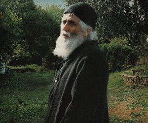 Όσιος Παΐσιος: Στήριξε και έδωσε κουράγιο στους Έλληνες, προφήτεψε τα μελλούμενα για Ελλάδα και Κύπρο!