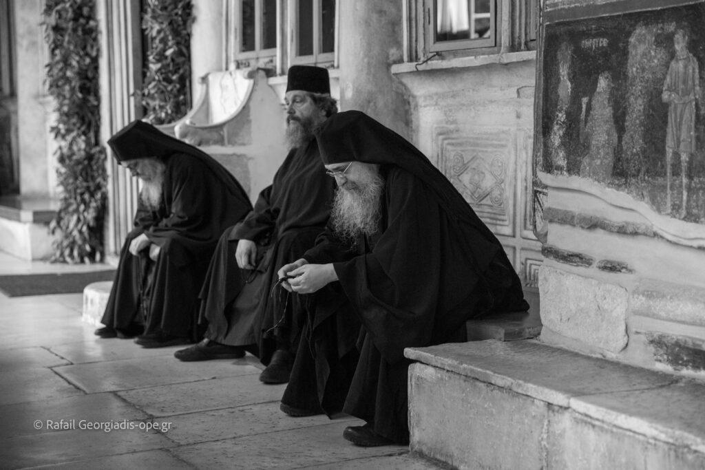 Η λιτάνευση της Αγίας Ζώνης και Αγιασμός στην Ι.Μ.Μ. Βατοπαιδίου